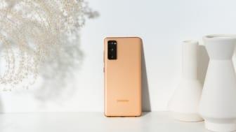 13. Galaxy S20 FE_Cloud Orange