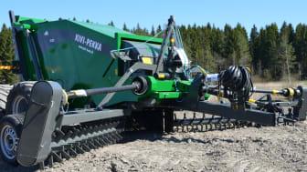 Kivi-Pekka 7 är en nyutvecklad maskin med en arbetsbredd på hela 7 meter.