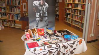 Informationsbord om kondomer och sex på Anderstorpskolan i Skellefteå