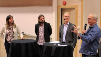 Paneldiskussion mellan Charlotta Mellander, Fredrik Sunnemark, Roland Lexén och Tomas Ekberg.