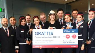 Hanna Andersson på väg till Bangkok blev passagerare nummer 4 000 000 på Norwegians långlinjer