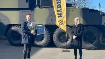 Hydrema modtager prisen som Årets Veteranvirksomhed 2020 (Foto: Forsvarsministeriet)