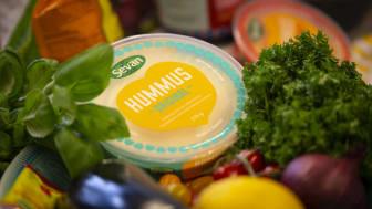 """""""Kasvisruoka on uusi normaali, ei pelkästään kasvissyöjien valinta"""", Annika Kumpunen sanoo. Kuva: Sini Suomi"""