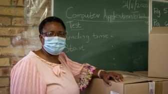 When principal Zanele Tjiana discovered that the computers at her school were stolen, she thought there was no way learners could complete their lessons for 2020 – until she contacted Discovery's Dr Lerato Khatle who found a donor in 24 hours.