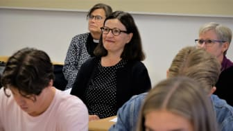 Utbildningsministern deltog på en lektion i religion på LM Engströms gymnasium i Göteborg. Foto: Mikael Stjernberg.