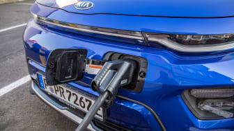 Arbejdet med elektrificering af den europæiske transportsektor nødvendiggør et internationalt samarbejde på tværs af bilindustrien. Derfor går KIA nu med i IONITY