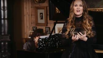 Sopran Mari Eriksmoen og pianist Signe Bakke stilte opp til bursdagskonsert for Nina Grieg, direkte på Facebook