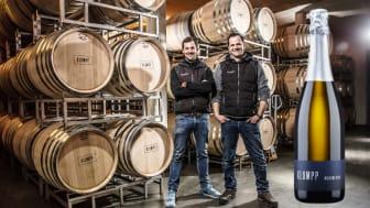 Andreas och Markus Klumpp i vineriet på Weingut Klumpp