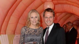 Bundesgesundheitsminister Daniel Bahr und Ehefrau Judy Witten im Darmmodell der Felix Burda Stiftung