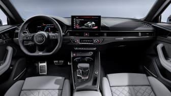 Audi S4 Limousine (turboblå) cockpit