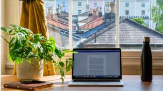 Undersökning visar att svenskar som distansarbetar utsätter företag för stora säkerhetsrisker
