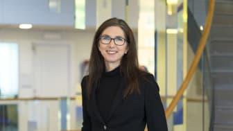 Helena Åsbrink, Chef för Operations på Galderma i Uppsala berättar om planerna för ny produktutveckling, ny fabrik, 120 nya jobb och ökad kapacitet.