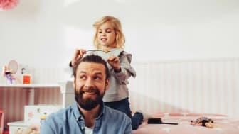 Aktuelle Umfrage von Barbie zeigt: Jeder zweite Vater wünscht sich grundsätzlich mehr Zeit, um mit seiner Tochter zu spielen
