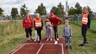 Friidrottsstjärnor inspirerade elever på både höjden och bredden i samband med SM i friidrott