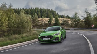 2021_FORD_FOCUS_ST_OUTDOOR_01