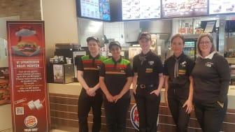 Wenche Antonsen i Bodø satser på ungdom og hele mennesket i rekrutteringen av folk. Medarbeidere som får tillit yter god service, sier hun. Foto: Burger King