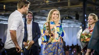 Mathilde Mackowski og Tonny Andersen modtager prisen som Årets Bedste Eksport-case 2018