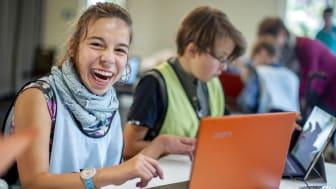 Barrierefreies Lehrmittelpaket zum Programmieren für den Einsatz im Präsenz- und Fernunterricht / Fotocredits: Aktion Mensch, Thilo Schmülgen