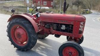 Traktor-T24-2.jpg