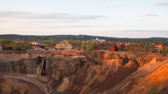Världsarvet Falun innefattar Falu Gruva, staden och det kringliggande bergsmanslandskapet.