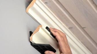 Listjiggen kan användas med taklister som är mellan 33–69 mm breda.