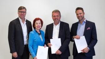 Robert Edberg, vd Hjerta; Karin Ehnbom-Palmquist, Generalsekreterare SVIV; Claes Billing, Försäljningschef Hjerta Sak och Dan Kjølhede-Laursen, Direktör på Gouda Reseförsäkring