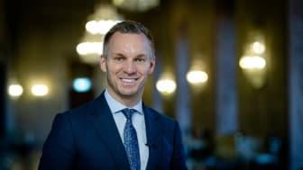 Stockholms äldreborgarråd Erik Slottner (KD) välkomnar satsningen. Foto: Yanan Li.
