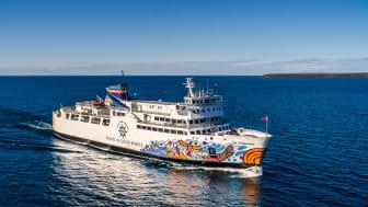 Passagerarfärjan the Chi-Cheemaun går mellan Tobermory och ön Manitoulin på Huron-sjön, vid gränsen mellan USA och Kanada.