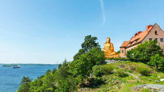 I samband med att det nya konceptet NAMASTAY lanserades, restes också Europas största guldpläterade Buddha-staty på gården. Något man tror kommer bli ett nytt landmärke i huvudstaden.