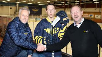 Johan Karlsson ordförande Wings Hockey, Robin Boström Spelare och Niclas Larsered Kommunikations och marknadsansvarig Märsta Förenade, är alla laddade inför den nya utmaningen.