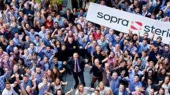 Adm.dir Kjell Rusti (i midten) i Sopra Steria er stolt av at selskapet har blitt kåret til Norges tredje mest attraktive arbeidsgiver. (Foto: Sopra Steria, 2019)