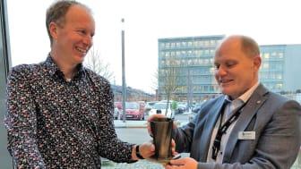 Brogren Industries, mottog idag Primuspriset 2020. Ett unikt föremål som tillverkats i pulverbaserad additiv tillverkning av forskningsingenjören Jonas Olsson, Högskolan Väst.