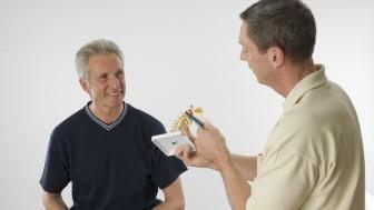Osteopathie als Hilfe zur Prävention und Wiedereingliederung bei Rückenproblemen ist interessant für Arbeitnehmer und Arbeitgeber. Foto: VOD