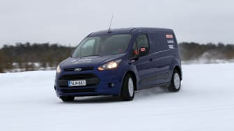 Nya Ford Transit och Transit Connect tar hem dubbel seger i Arctic Van Test – de besegrar is, snö och konkurrenter