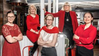 Tre av årets totalt sex Woman in Red stipendiater tillsammans med Karin Schenck-Gustafsson och Alexandra Charles von Hofsten från 1,6&2,6miljonerklubben och Stiftelsen Kvinnor & Hälsa. Janike Nickander, Charlotte Jacobaeus och Johanna Norenhag.