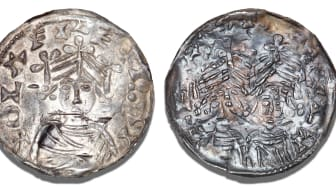 Lund, penny without year (approx. 1091-1095), Hbg. 4, coin maker Easmun, 0.82 g, reverse double struck, but a unique, beautiful and complete example. Estimate: DKK 120,000-140,000 / € 16,000-18,500.