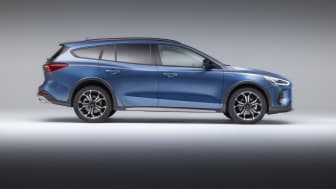Ford Focus Active 2021 (3)