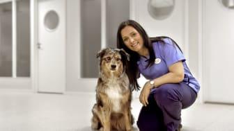 Bente Larsen er tidligere eier og daglig leder i Din Dyreklinikk, blir med videre som klinikkleder.