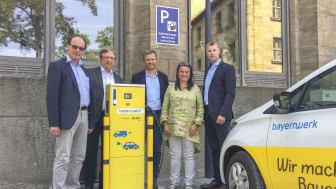 Offizielle Inbetriebnahme der E-Ladesäule am Luitpoldplatz