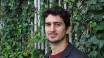 Genom datorsimuleringar har Claudio Nigro undersökt olika faktorer som kan påverka hållfastheten hos en metall med en svaghet och som utsätts för belastning och kontakt med väte.