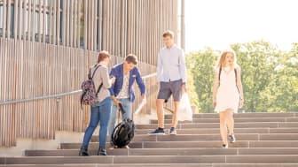 Spännande föreläsare, studiesnack och skärgårdstur ska locka nya studenter