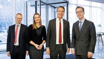 Fra højre: Miljø- og fødevareminister Esben Lunde Larsen, Michiel Kernkamp (adm. dir. for Nestlé Norden), Susanne Wolff (videnskabelig rådgiver i Nestlé Health Science) og Martin Broberg (kommunikationschef i Nestlé Danmark). Foto: Søren Svendsen