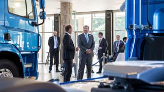 Hans majestät kung Willem-Alexander besökte DAF Trucks i Eindhoven.