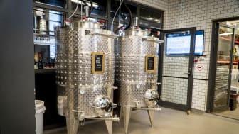 Winemakers tour är en lärorik upplevelse som djupdyker i vinets olika utvecklingsfaser fram till den färdiga blenden.