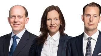 Hög andel affärer i svenska regionstäder under andra kvartalet. Från vänster Karl Persson, Annika Edström och Anders Elvinsson.
