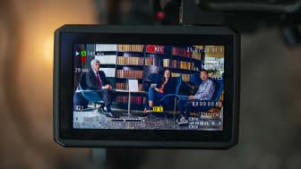 Peter Örn, demokratiambassadör från kommittén Demokratin 100 år, Marie Hillblom, chefredaktör 8 sidor och Magnus Lagercrantz, utredare Myndigheten för delaktighet. Foto: Elliot Elliot