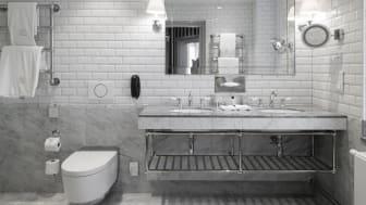 Geberit installerar Geberit AquaClean på Grand Hôtel Stockholm i samband med en omfattande renovering.