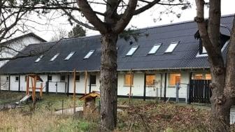 Det er et ønske, at der på Ravnsnæsvej 103 a og b skal bygges et nyt børnehus. Lige nu huser adressen den gamle Sjælsøhal