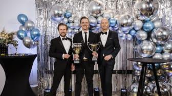 Pontus Andersson (mitten) är den mäklare som flest kunder var nöjda med under 2020 i Bjurforskoncernen. Här med Mattias Larsson (till vänster), vd på Bjurfors Skåne och Ola Lundqvist (till höger), ägare till Bjurfors.