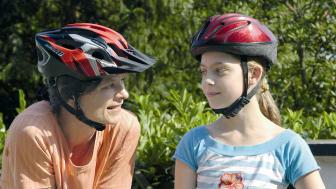 Die Unfallforschung der Versicherer rät dringend zum Tragen eines Fahrradhelms.   Foto: GDV